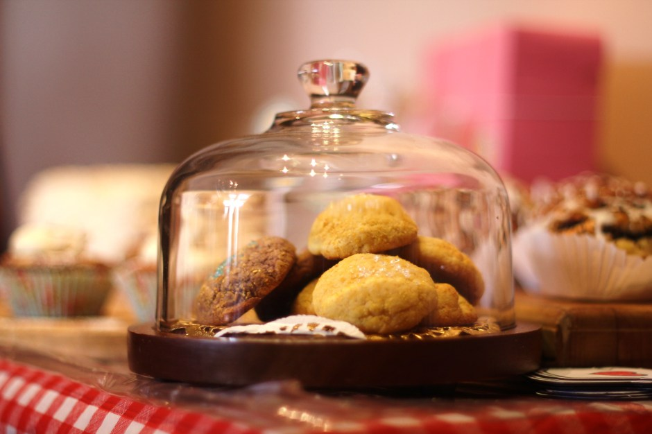 Golden Cornmeal + Macadamia Nut Cookies w/Freeze-Dried Corn & Blue Cornflour + Banana Gluten-Free Cookies Photo Courtesy the Inimitable Samuel Rodgers