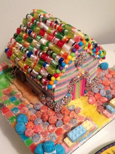Club_Sandwich_GingerbreadHouse